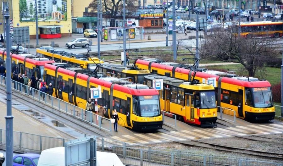 Warszawa: Oferty na tramwaje 1,5 miesiąca później – po wyborach