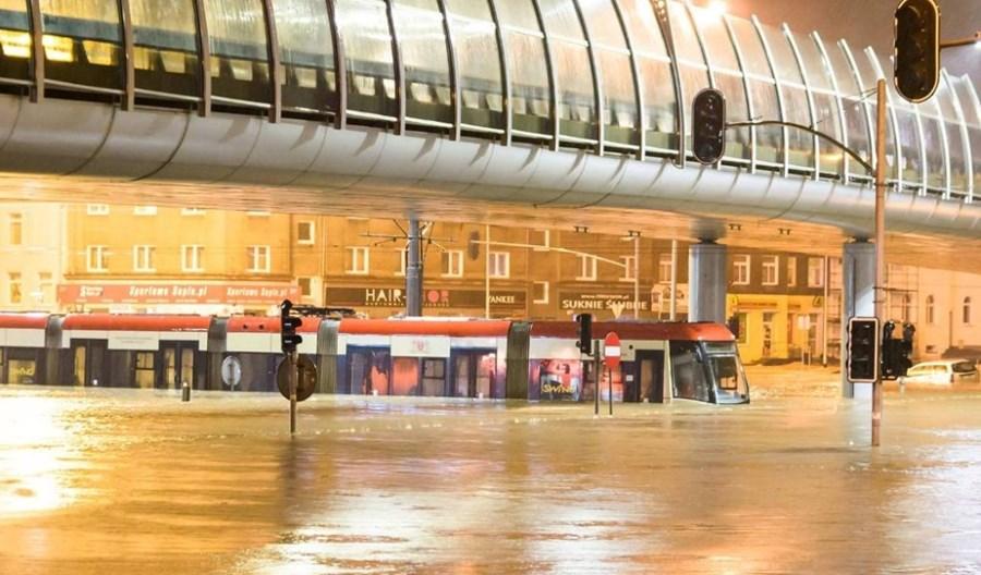 Gdańsk: Zalany po okna tramwaj Swing wróci do Pesy?