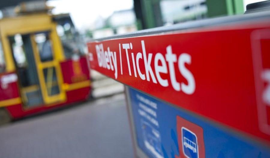 Warszawa: Obniżki cen biletów nie spowodowały zmniejszenia wpływów