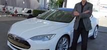 Elon Musk opisał autobus przyszłości i zarabiające na siebie auto