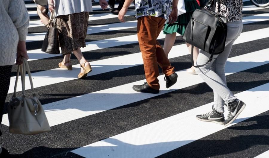 Rząd pochyla się nad bezpieczeństwem pieszych. Projekt MI przyjęty przez Radę Ministrów