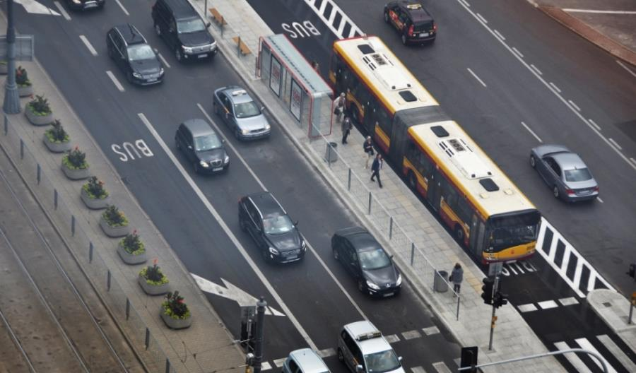 Będzie Warszawska Polityka Mobilności. Samochody przestaną być najważniejsze