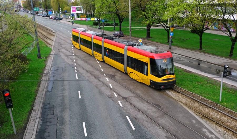 Tramwaje Warszawskie wyliczają: priorytet przynosi oszczędności