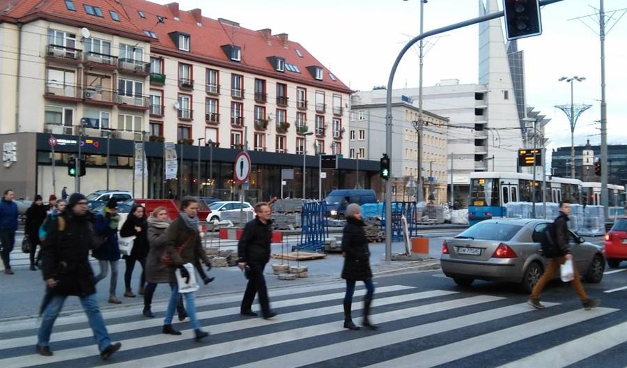 Lewica obiecuje pierwszeństwo pieszych zbliżających się do przejścia