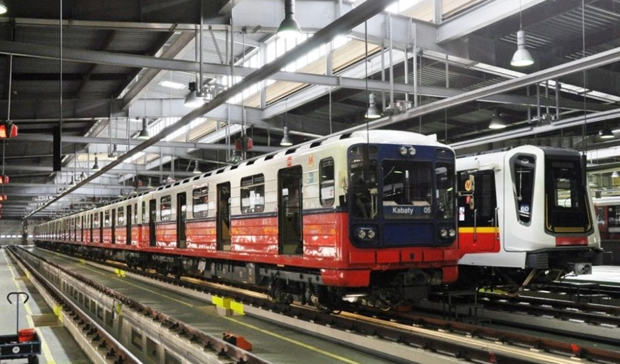 Impas ws. nowych pociągów metra. Sąd chory