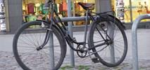 Raport KRBRD. Rowerzyści na chodnikach i bez kasków