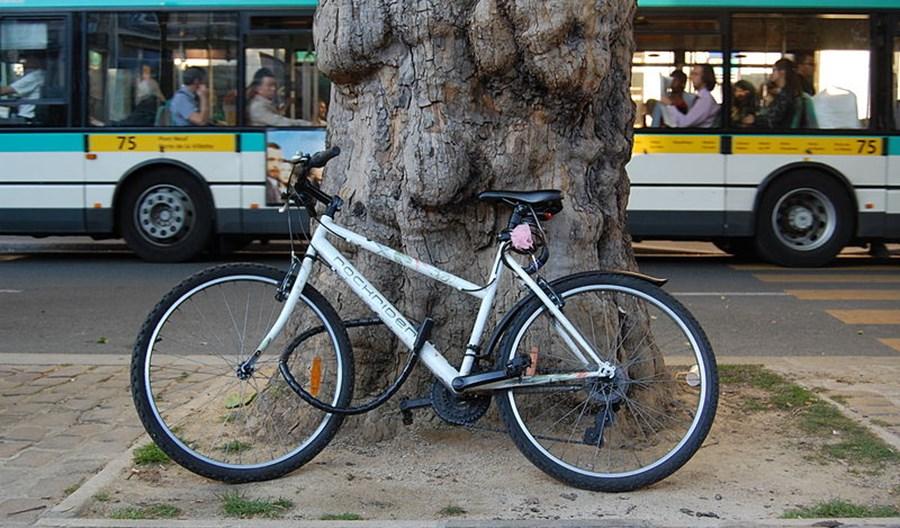Rowery w komunikacji miejskiej. Wolno? Nie wolno? Gdzie z biletem?
