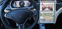 """Tesla stworzyła """"samochód sieciowy"""". Nawigacja przyszłości?"""
