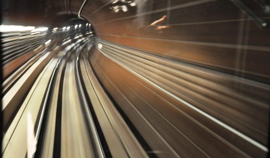 Linię metra projektuj linijką