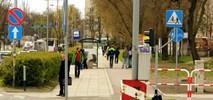 Śmieszka rowerowa kosztem chodnika w centrum Częstochowy