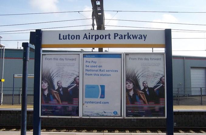 Lotnisko Londyn-Luton stawia na kolej