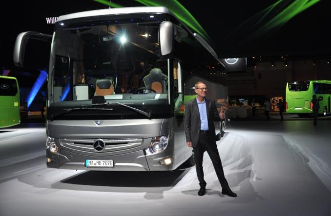 Mercedes z nowym Tourismo
