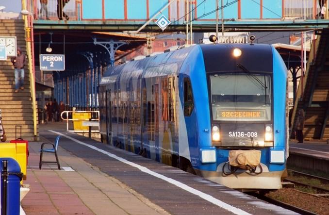 Szczecińska Kolej Metropolitalna z podpisem marszałka
