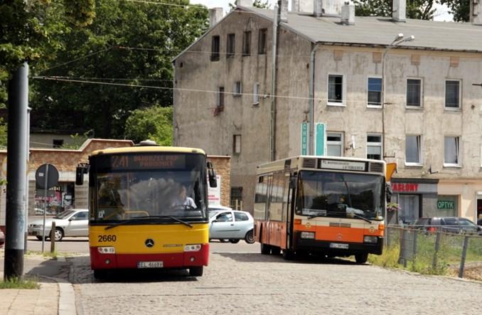 Ksawerów remontuje tramwaj, autobus do września