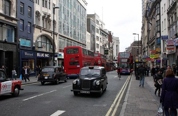 """Wielka Brytania. """"Potrzebujemy mniej aut, nie czystszych aut"""""""