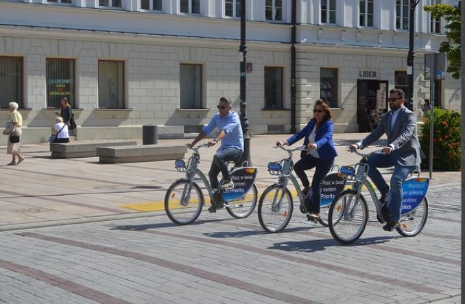 Warszawa. Rowerzyści rzucili się na elektryczne Veturilo