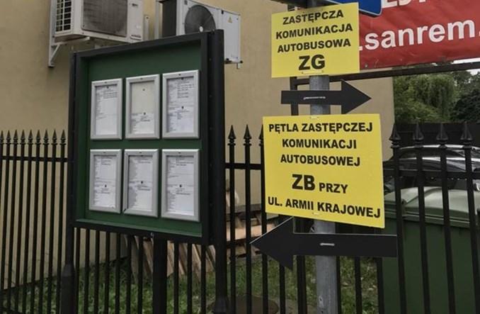 """Burmistrz Brwinowa krytykuje komunikację zastępczą. """"Dano ciała!"""""""