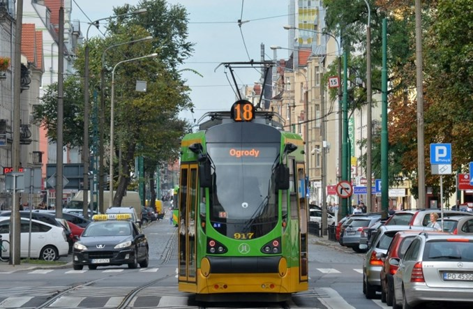 Motorniczowie MPK Poznań podzieleni w sprawie tęczowej flagi