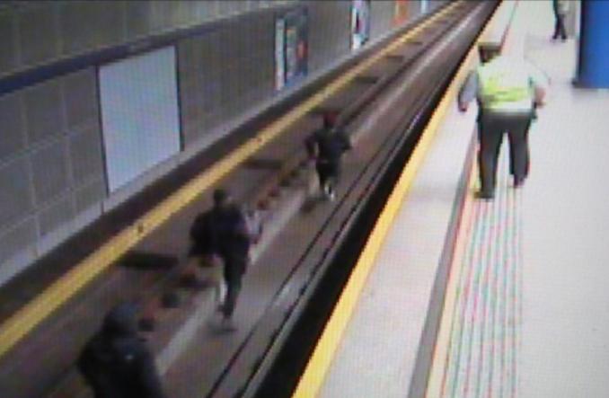 Metro ujęło grafficiarzy. Była przerwa w ruchu