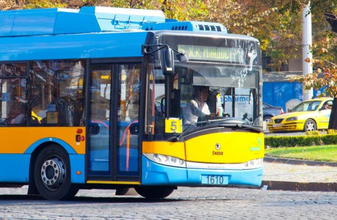 Autobus elektryczny, ale tylko z superkondensatorem. Dobry pomysł?