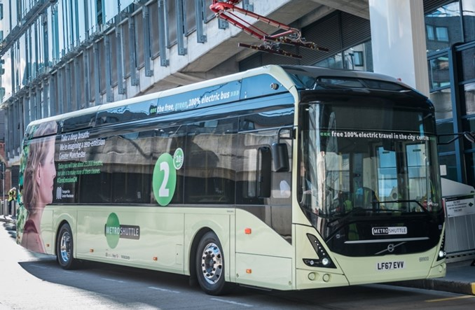 Elektrobusy Volvo na trasie demonstracyjnej w Wielkiej Brytanii