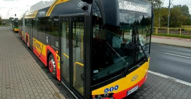 Warszawa szykuje się  na długie testy przegubowego elektrycznego Solarisa