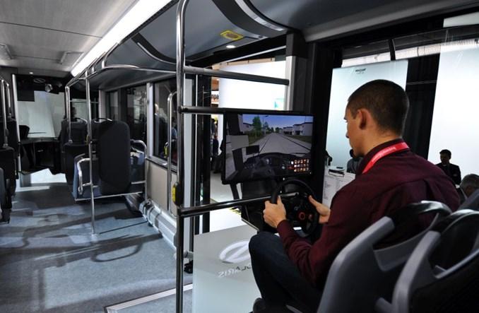 Solaris z elektrycznym przegubowcem na targach Busworld w Kortrijk [zdjęcia]