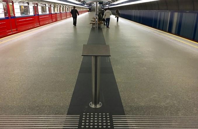 Metro. Niebezpieczne ułatwienia dla niewidomych