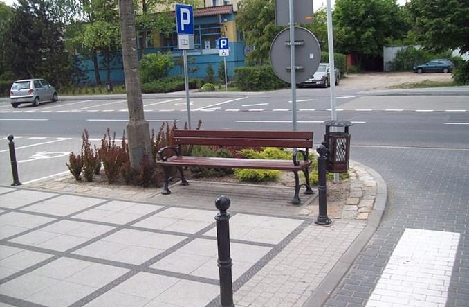 Warszawa bez ławek. W Krakowie jest gdzie usiąść