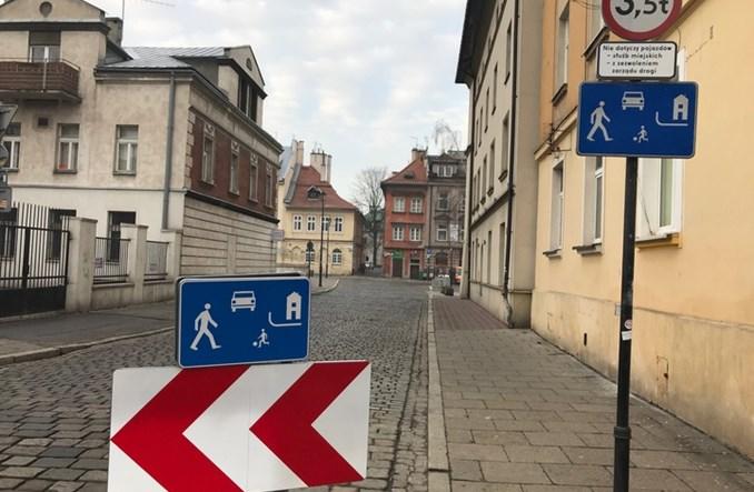"""Kraków. """"Bramy"""" do stref zamieszkania. Kierowcy nie mogą nie zauważyć"""