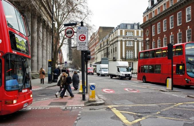 Londyn walczy o czyste powietrze. Dodatkowe opłaty dla starych aut