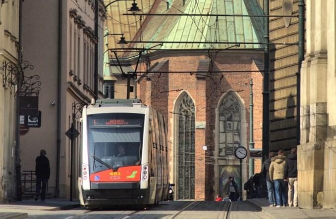 MPK w Krakowie testuje automat biletowy zasilany energią słoneczną