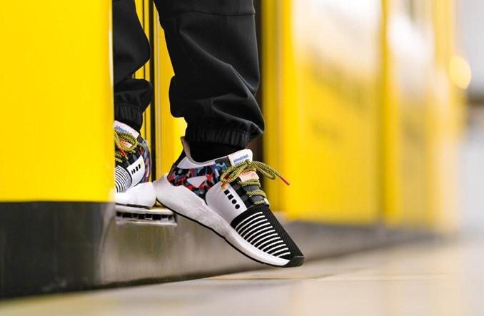 Berlin. Bilet na komunikację miejską w adidasach