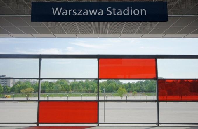 Problem na Stadionie. PKP PLK muszą poprawić szklane wiaty