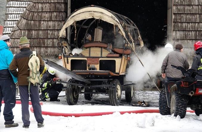 Morskie Oko. Spłonął wóz hybrydowy odciążający konie