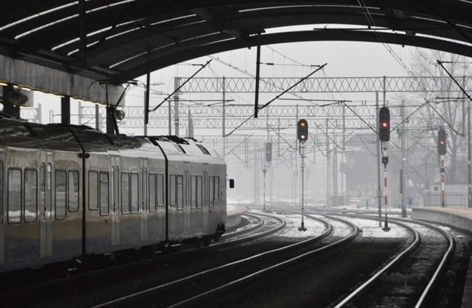 4500 kierowców przez smog wybrało pociągi Kolei Śląskich