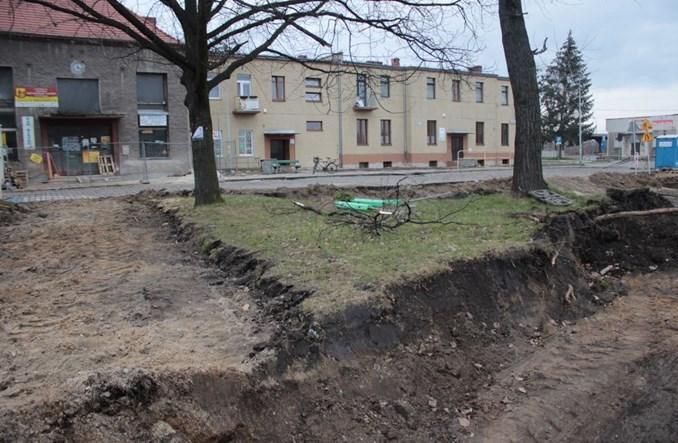 Trwa przebudowa dworca i placu w Grodkowie