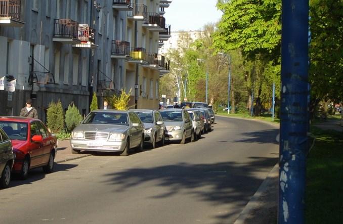 Warszawa. Na Ochocie sto parkingów na stulecie niepodległości