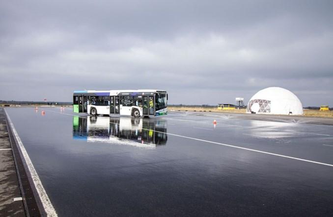 Kierowcy SPA Dąbie ćwiczyli dzięki Solarisowi