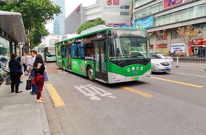 Chiny. Ponad 300 tys. autobusów elektrycznych