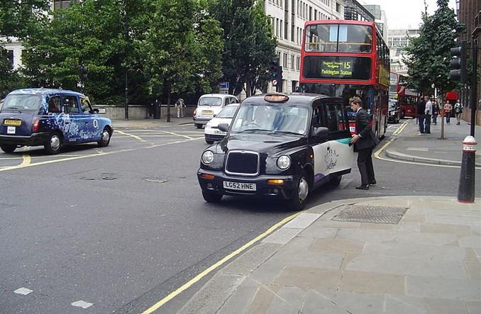Londyn elektryczny. Nowe taksówki i autobusy tylko zeroemisyjne