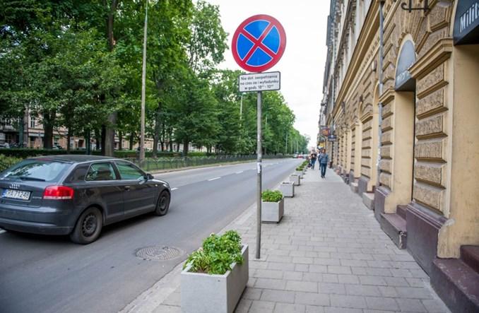 Kraków. Na Dietla testowo auta będą parkować na ulicy całą dobę