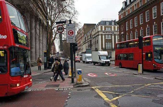 Londyn: Za korki odpowiadają samochody dostawcze