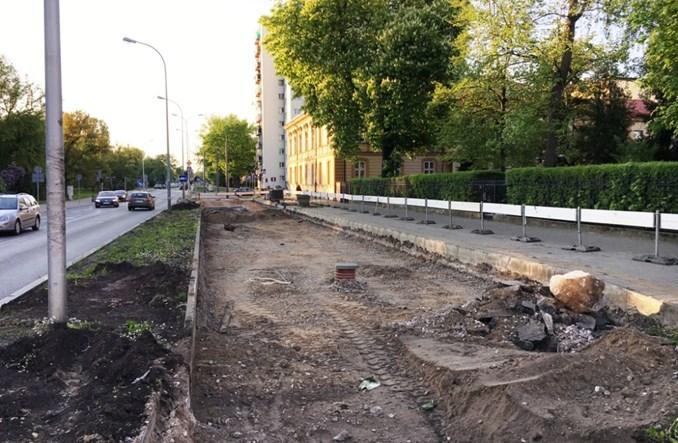 Warszawa: Trwa likwidacja odcinka torowiska na Jagiellońskiej