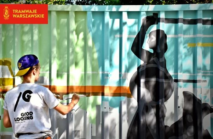 Warszawa. Powstaje stumetrowy mural z tramwajami [ZDJĘCIA]