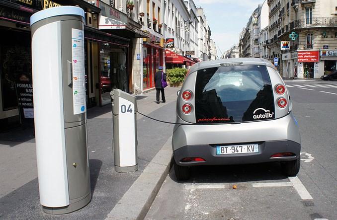 Paryż. Renault zastąpi Autolib. Będą też inne auta