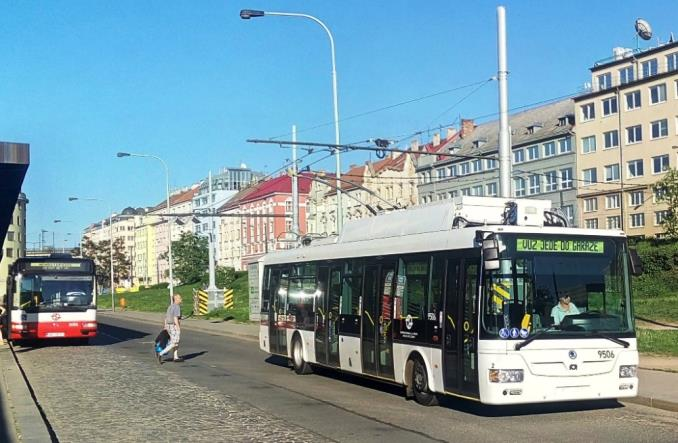 Trolejbusy wróciły do Pragi po 46 latach. Sieć o długości kilometra