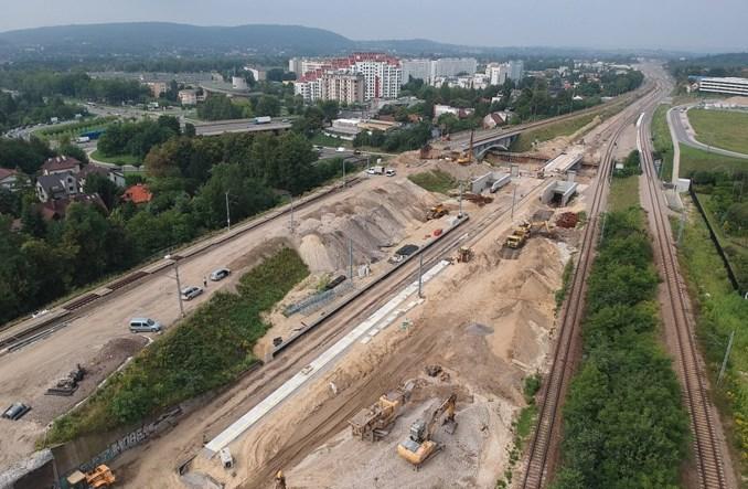 Kraków Bronowice – wyjątkowy przystanek z peronami na różnych wysokościach
