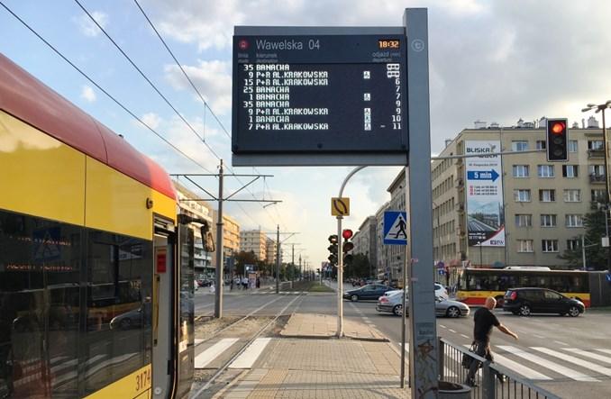 Tramwaje Warszawskie przestawiają się na białe ekrany