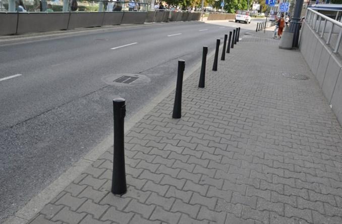 Warszawa. Jaki chce likwidować słupki, bo upokarzają kierowców